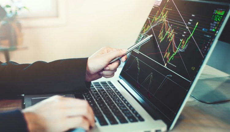 Is It Smart to Trade on Forex During A Crisis?